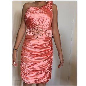 Dresses & Skirts - Pink formal dress